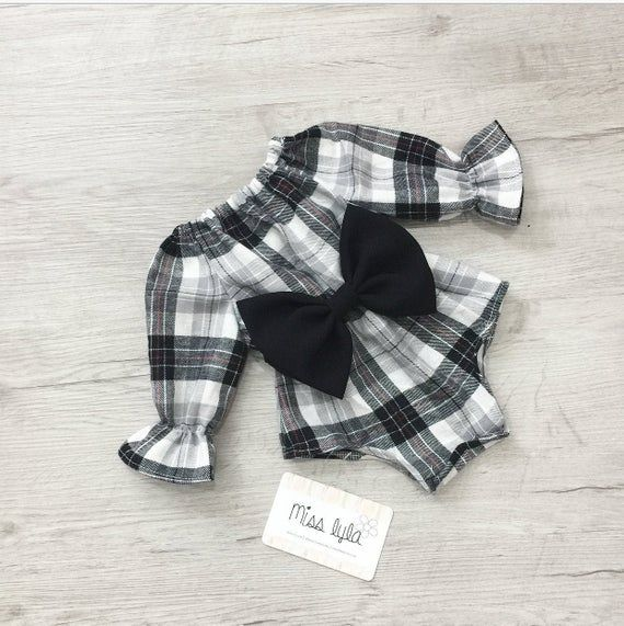 Baby Girl Romper, baby girl clothes, Baby Romper, Photography prop, Baby Bodysuit, Bow romper, Birthday outfit,babyshower gift,Black gingham