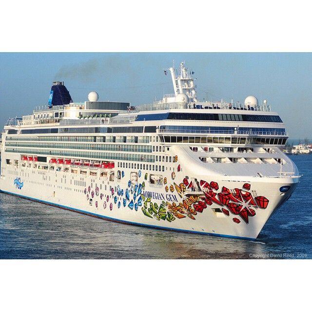 Norwegian Gem Cruise Ship In Nassau Bahamas Norwegiangem Cruise - Norwegian gem cruise ship