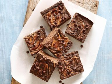 PHOTO: Lisa Lillien shares a recipe for Peanut Butter Brownies from her new cookbook, Hungry Girl Clean & Hungry.