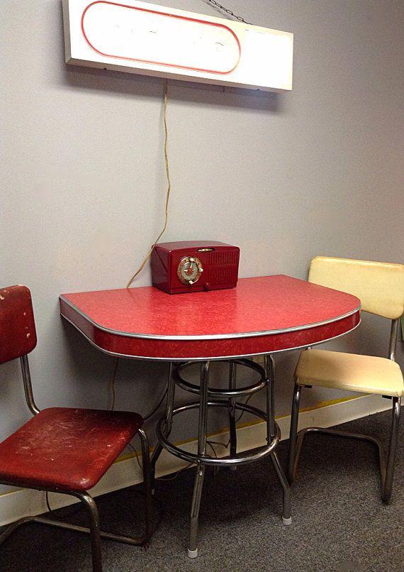 Set Of 2 Pink 1940 S 50 S Retro Chrome S Shaped Dining Chairs Vintage Furniture Vintage Kitchen Dinette Sets