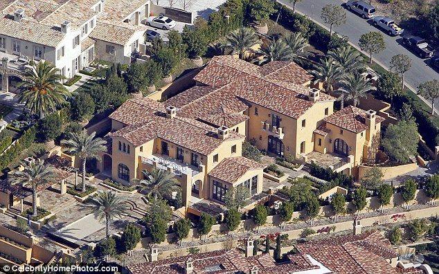 Kobe Bryant S Newport Coast Estate Celebrityhomes Orangecounty