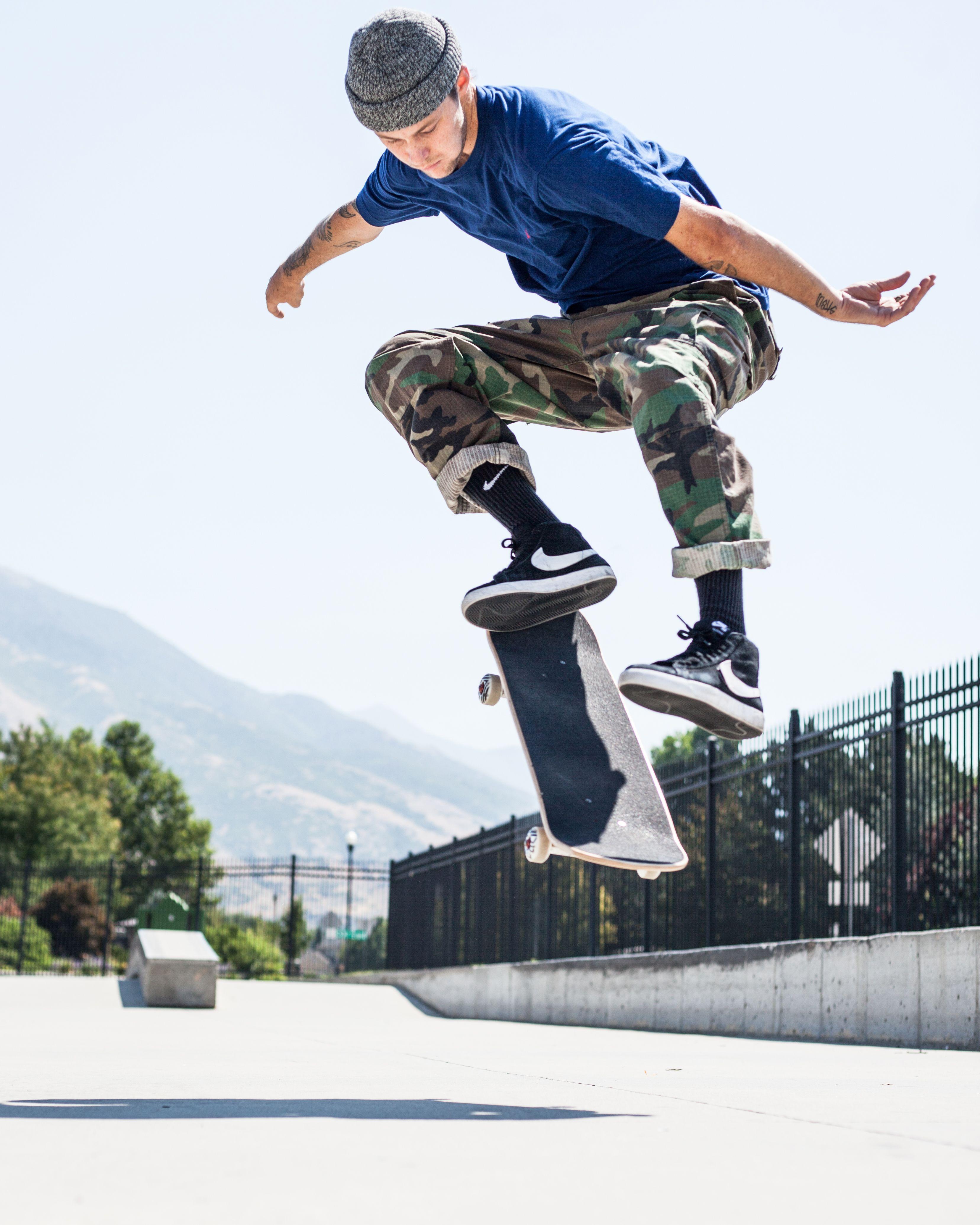 Tweak A Kickflip And Love It Skateboard Photography Skateboard Photos Skateboard