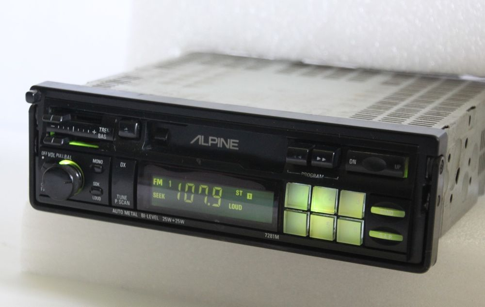 ALPINE 7281M Retro Old School AM/FM Cassette Tape Pullout