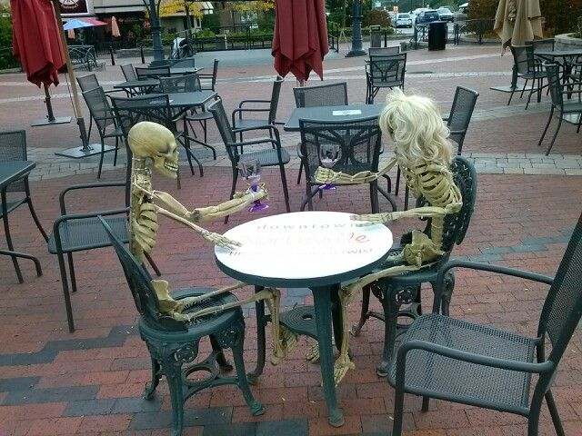 Patio Furniture Northville Mi.Northville Halloween Skeleton Display Holidays And Themes