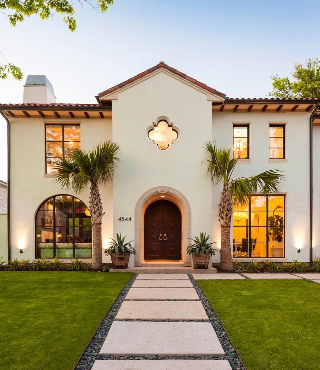 Bringing A Little California Style To Texas California Custombuilt Rech Construction By Rob Mediterranean Homes Spanish Style Homes Exterior Design