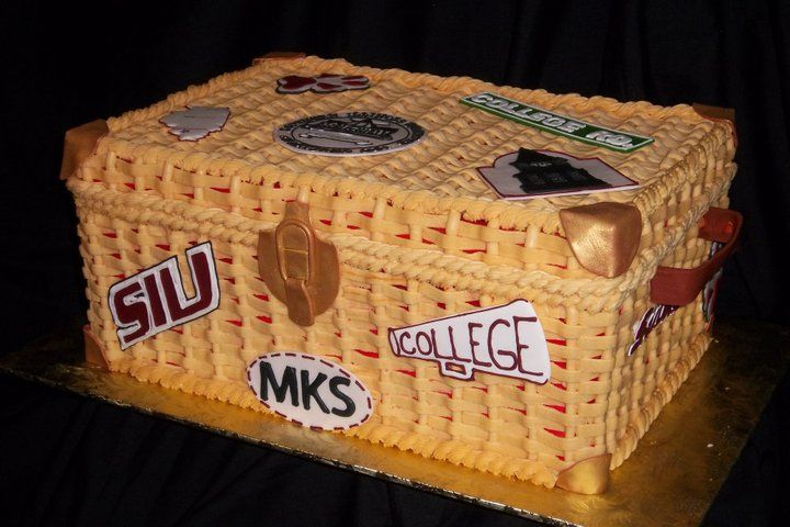 College Trunk Cake With Images College Trunks Trunk Party