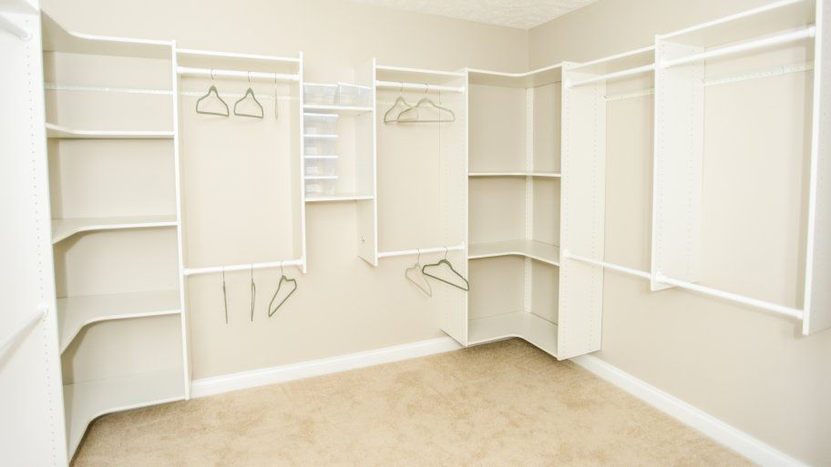 Choosing The Best Paint Color For Your Closet