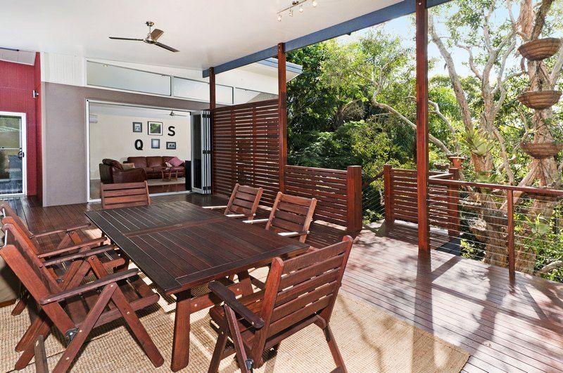 Moorooka Northfacing hardwood deck with a 'flyover