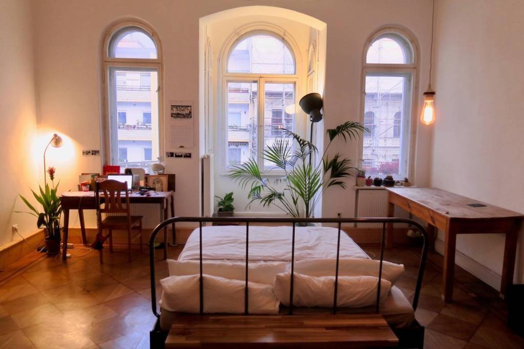 Charmant Helles WG Zimmer Mit Großen Fenstern. #WG #Zimmer #Einrichtung #Schlafzimmer