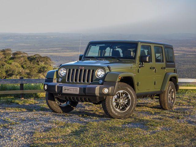 Jeep Comemora 75 Anos Com Series Especiais No Brasil Com Imagens Jeep Wrangler Jeep