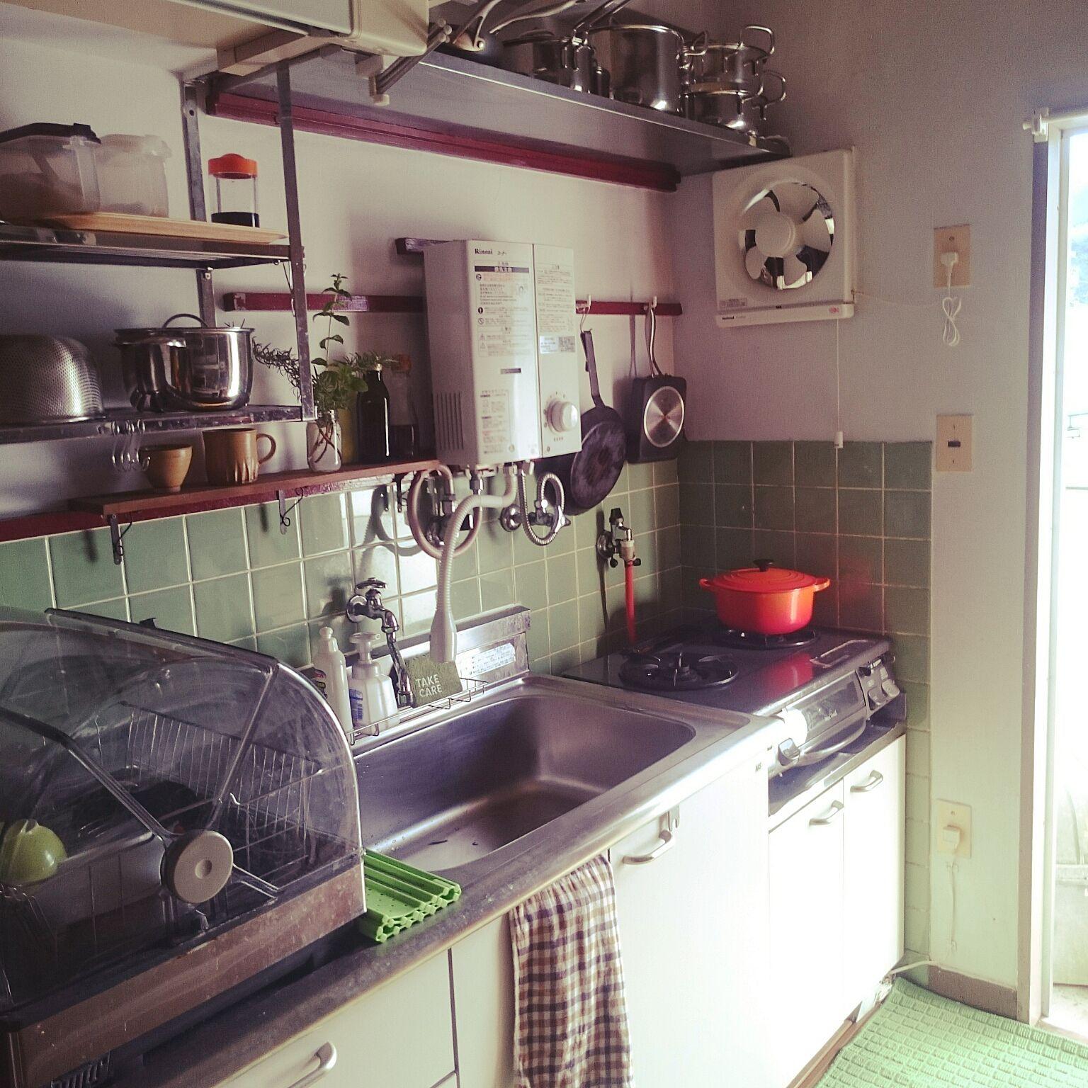 キッチン 団地住まい 狭いキッチン 鍋 築30年賃貸 などのインテリア