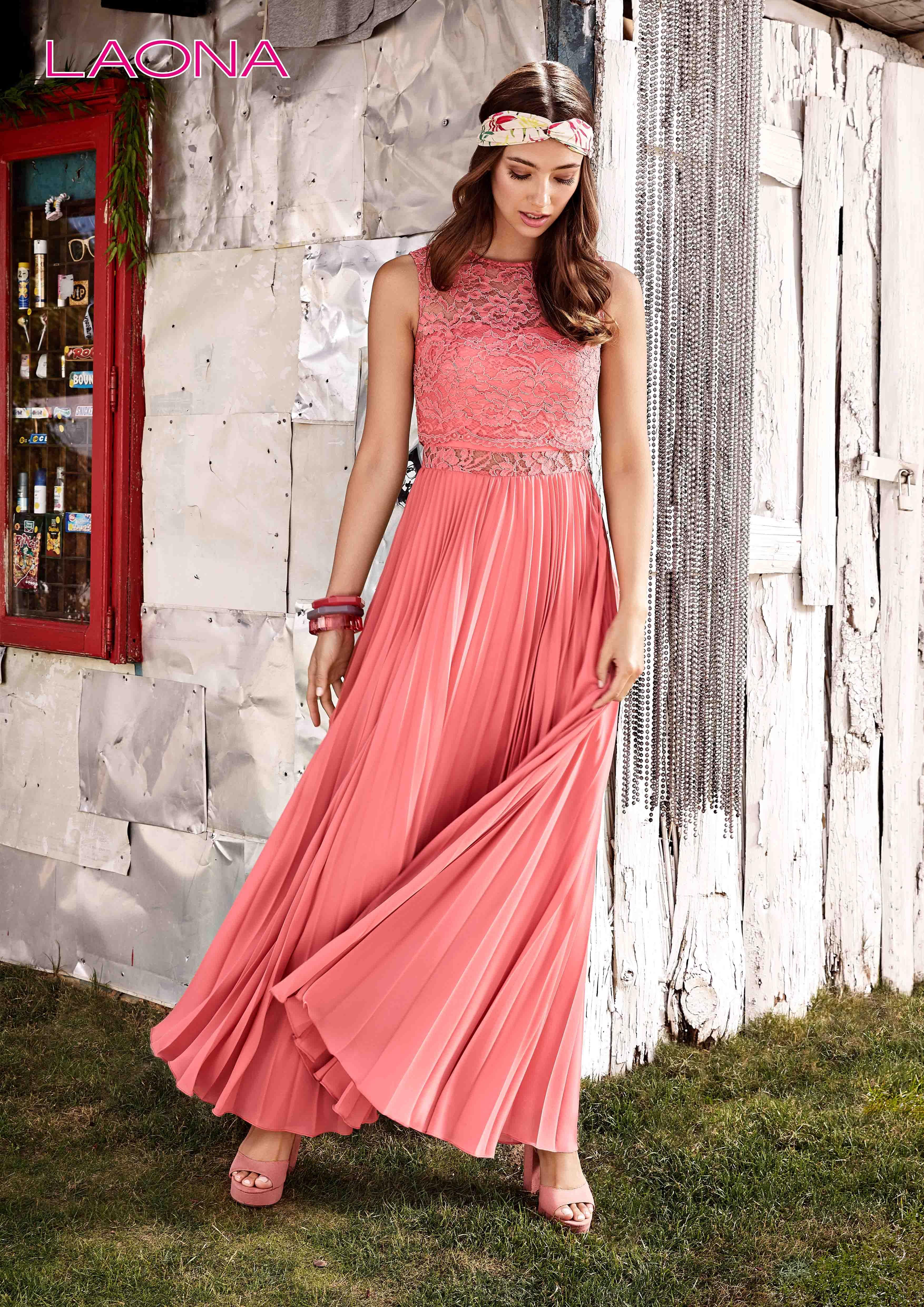 #Frühlingserwachen mit einem Kleid aus der neuen ...