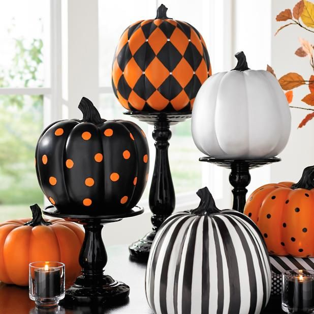 Black Pedestal Stands | Grandin Road #pumpkinpaintingideas