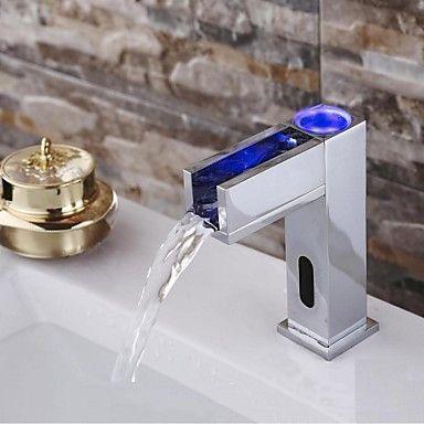 Nutida Horisontell montering VattenfallSensor with Magnetventil Handsfree En Hole for Krom Tvättställsblandare