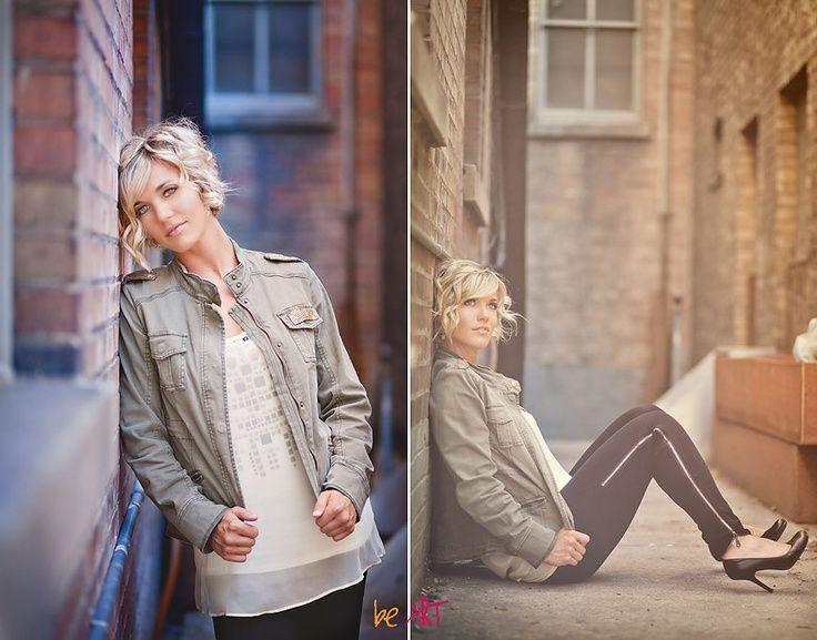 Idée photo   Photography senior pictures, Senior girl photography, Urban senior photography