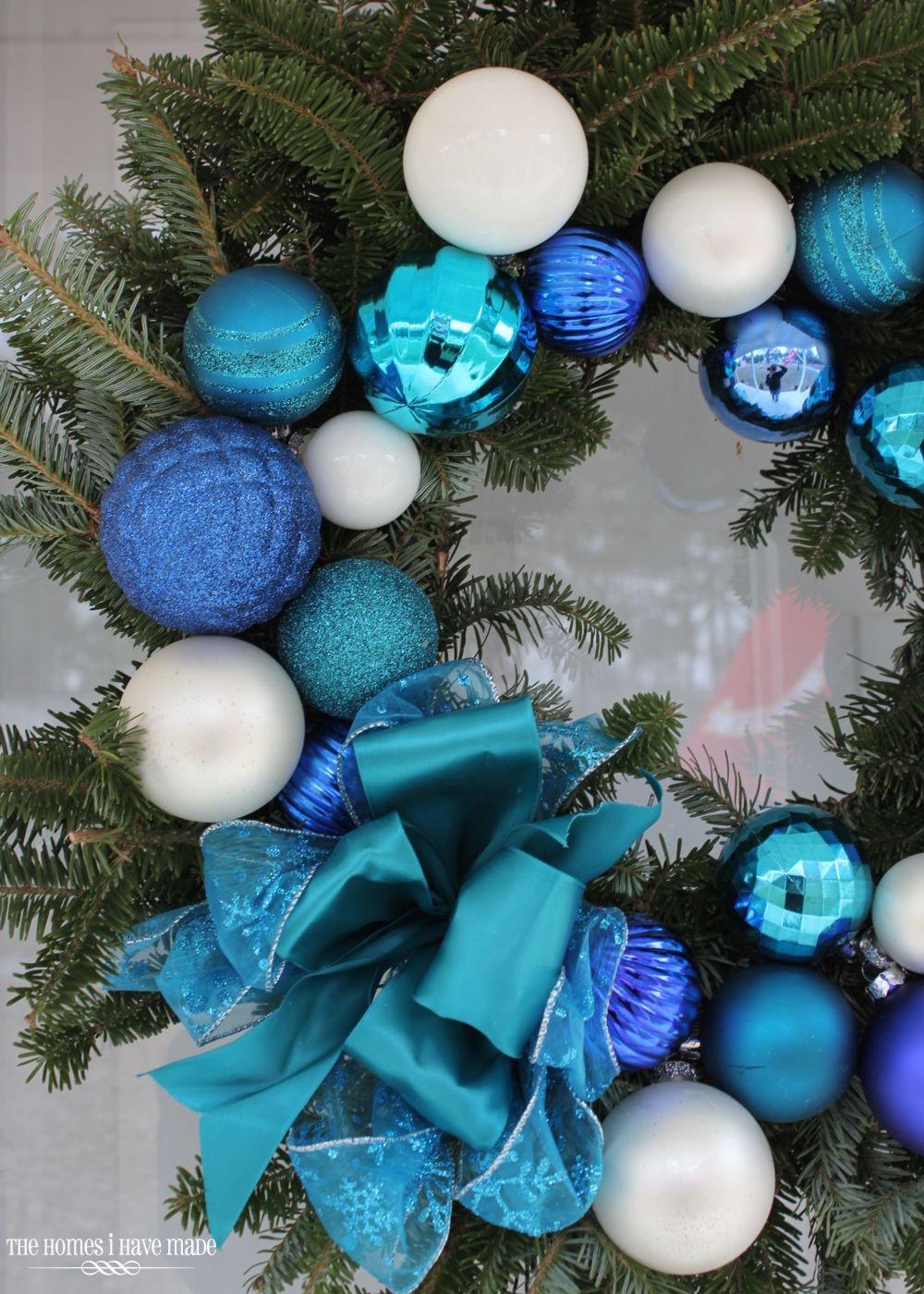 decoración navideña azul