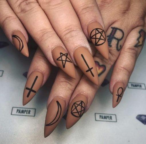 : 15 Scary-Good Halloween Nail Art Ideas To Impress Your ...