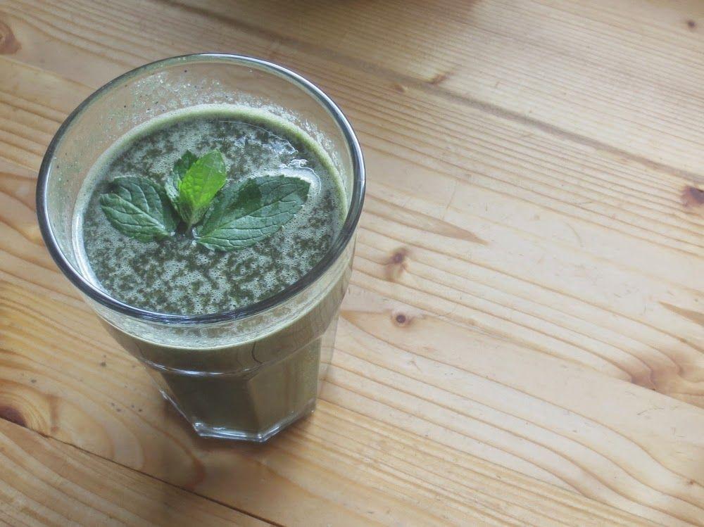Mangold-Blaubeer-Shake mit Minze - http://barbaras-spielwiese.blogspot.de/2014/08/mangold-blaubeer-shake-mit-minze.html