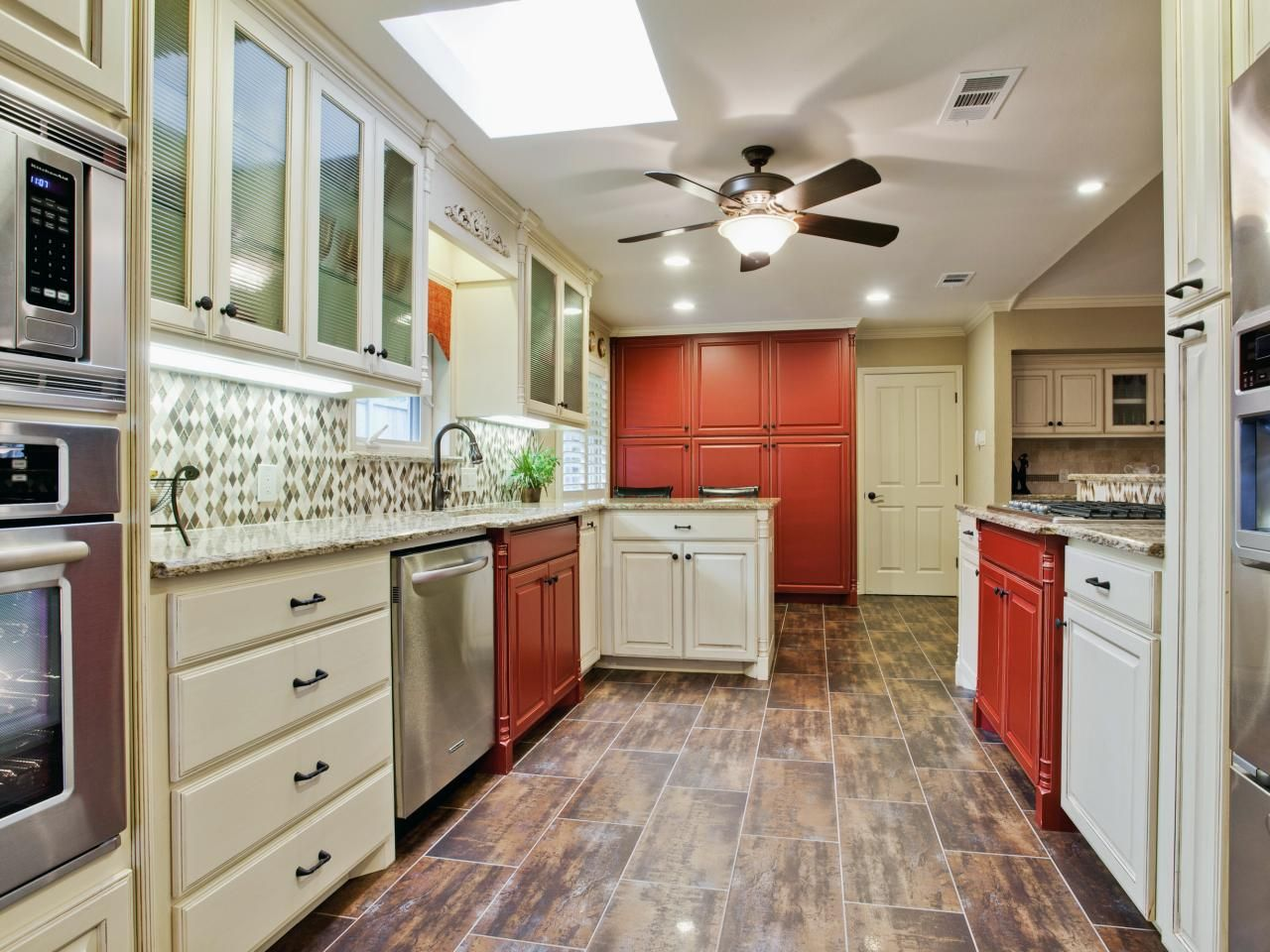 best way to paint kitchen cabinets hgtv pictures ideas kitchen design outdoor kitchen on kitchen cabinet color ideas id=42780