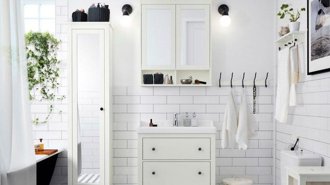 Du grand ménage aux petits détails : suivez nos conseils pour préparer à vos invités une salle de bain comme celle d'un grand hôtel ! http://www.deco.fr/deco-piece/decoration-salle-de-bains/actualite-822396-preparer-salle-bains-invites.html
