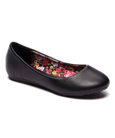 Lucky Top black floral lined flat on Zulily.