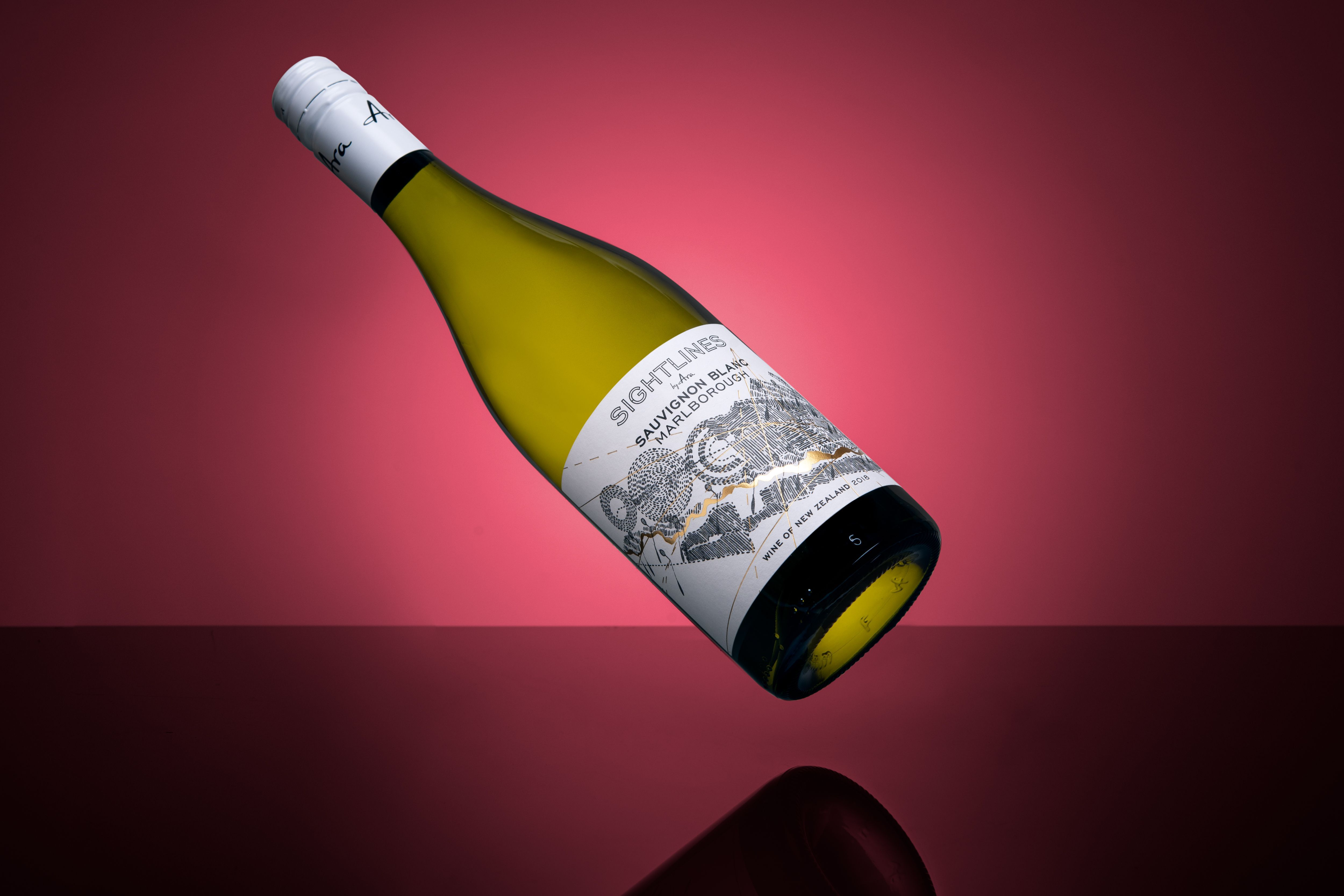 Ara Wines Sauvignon Blanc Wine Label With Beautiful Detailed Gold Hot Foil Designed By Wine Creatives And Sauvignon Blanc Wine Wine And Spirits Sauvignon Blanc