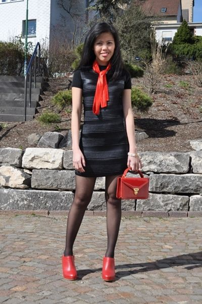 Black dress with red shoes pictures