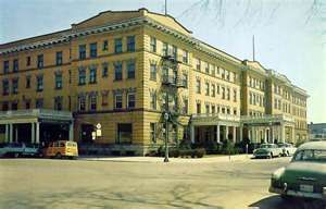 Wenonah Hotel Before It Was Destroyed By Fire Downtown At Its Best Bay City Michiganmittenshistoric Architecturebays