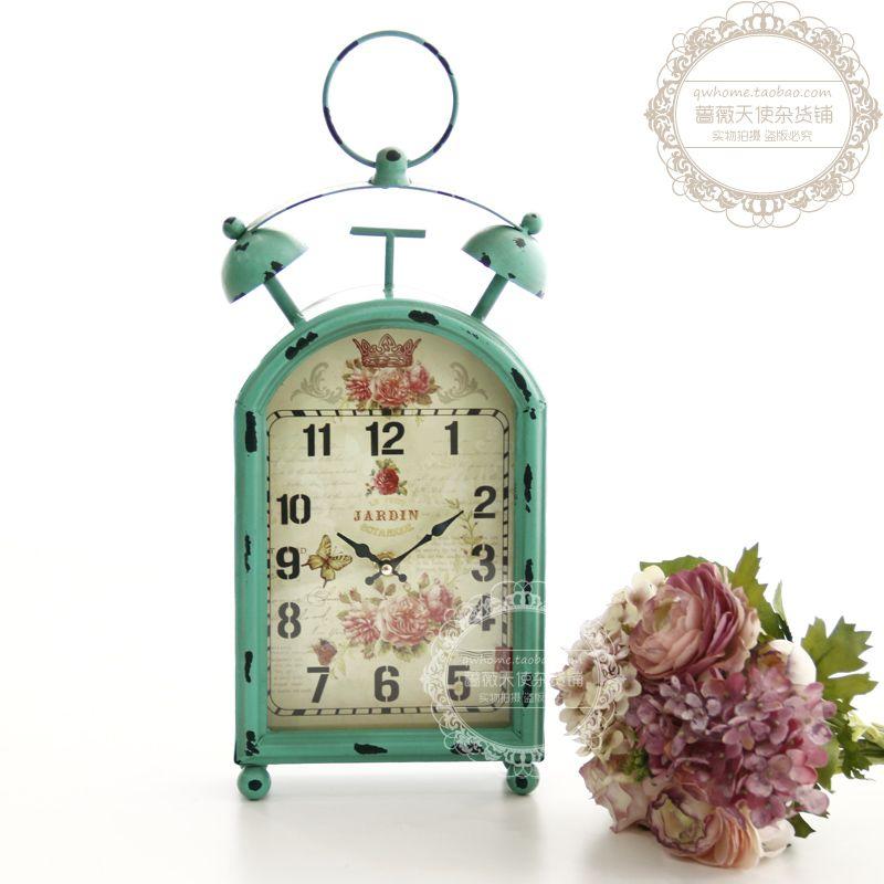 Vintage-styled metal decorated clock   Metal Look Book for ...