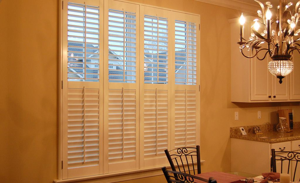 2 1 4 Louvered Shutters With Smaller Louvers And Thinner Panels Give Off A Very Dressy Rich Look Their Scale Fits Traditional Decor Small Patterns