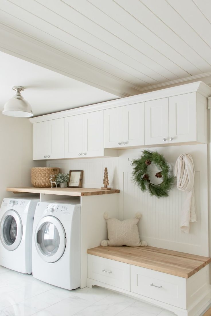 Simple + Cozy Farmhouse Christmas Home Tour, #Christmas #Cozy #Farmhouse #Home #laundryroom ...