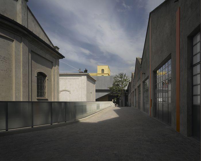 34b303865 Image 8 of 17 from gallery of Fondazione Prada / OMA. Photograph by Bas  Princen - Fondazione Prada