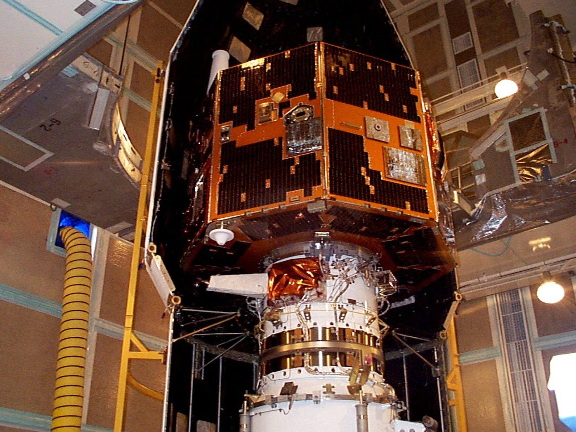 Long-Lost Spacecraft That NASA Rediscovered This Year Is ...