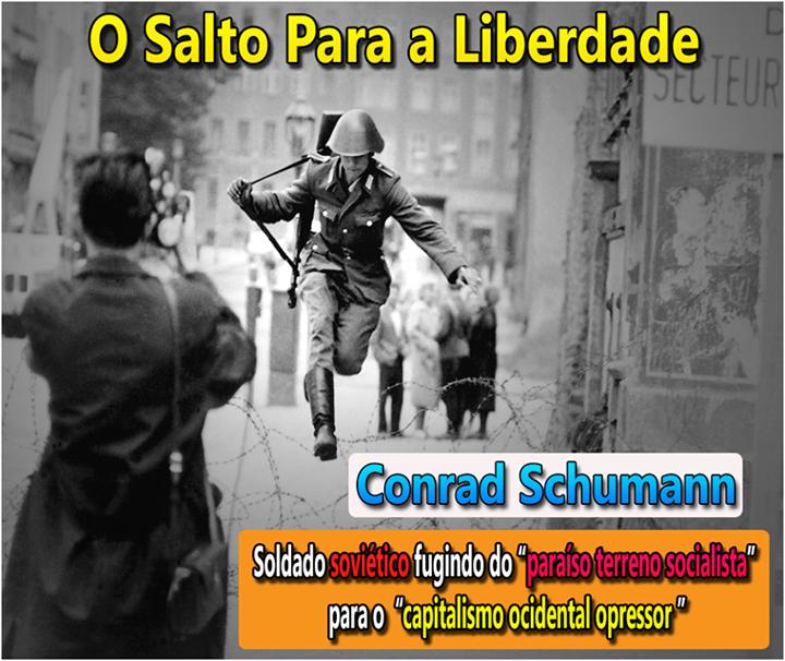 """Conrad Schumann, um jovem soldado soviético responsável por proteger a cerca que dividia a Alemanha Oriental Socialista da Alemanha Ocidental Capitalista. Em 15 de agosto de 1961, Conrad Schumann realizava seu trabalho de proteger a cerca ( o Muro de Berlim ainda não estava pronto), quando algumas pessoas do lado """"opressor capitalista"""" o encorajaram a fugir do """"paraíso terreno"""". Conrad Schumann não pensou duas vezes e pulou para o lado """"opressor""""! Seu salto ficou conhecido como """"O salto para…"""