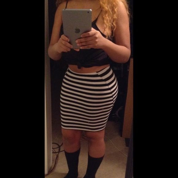 Striped Bodycon Skirt Size small Forever 21 Skirts
