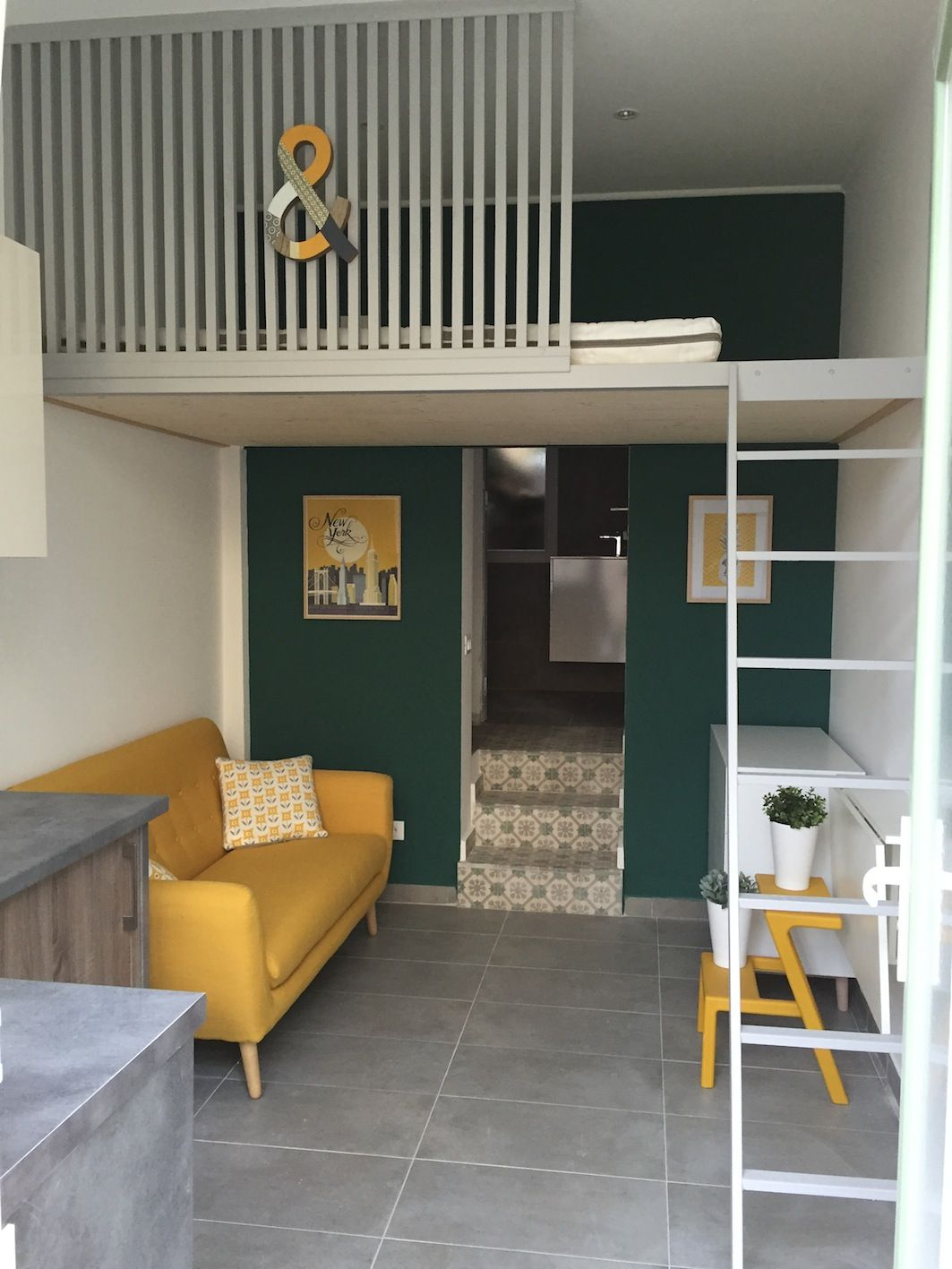 Un joli studio déco - couleurs, matériaux, mezzanine | Hochbetten ...