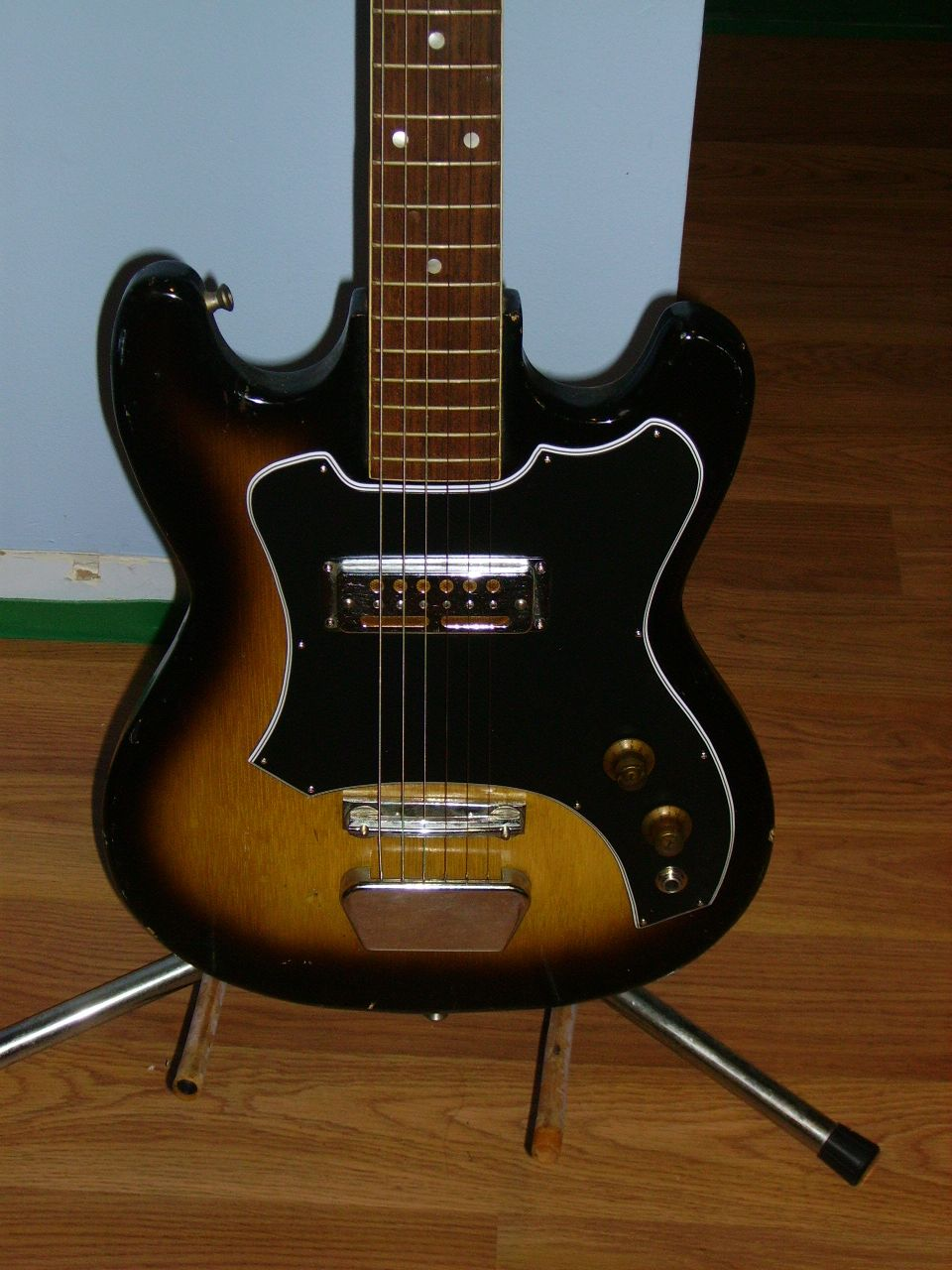 A Teisco Del Rey Solid Body Electric Guitar which I restored and ...