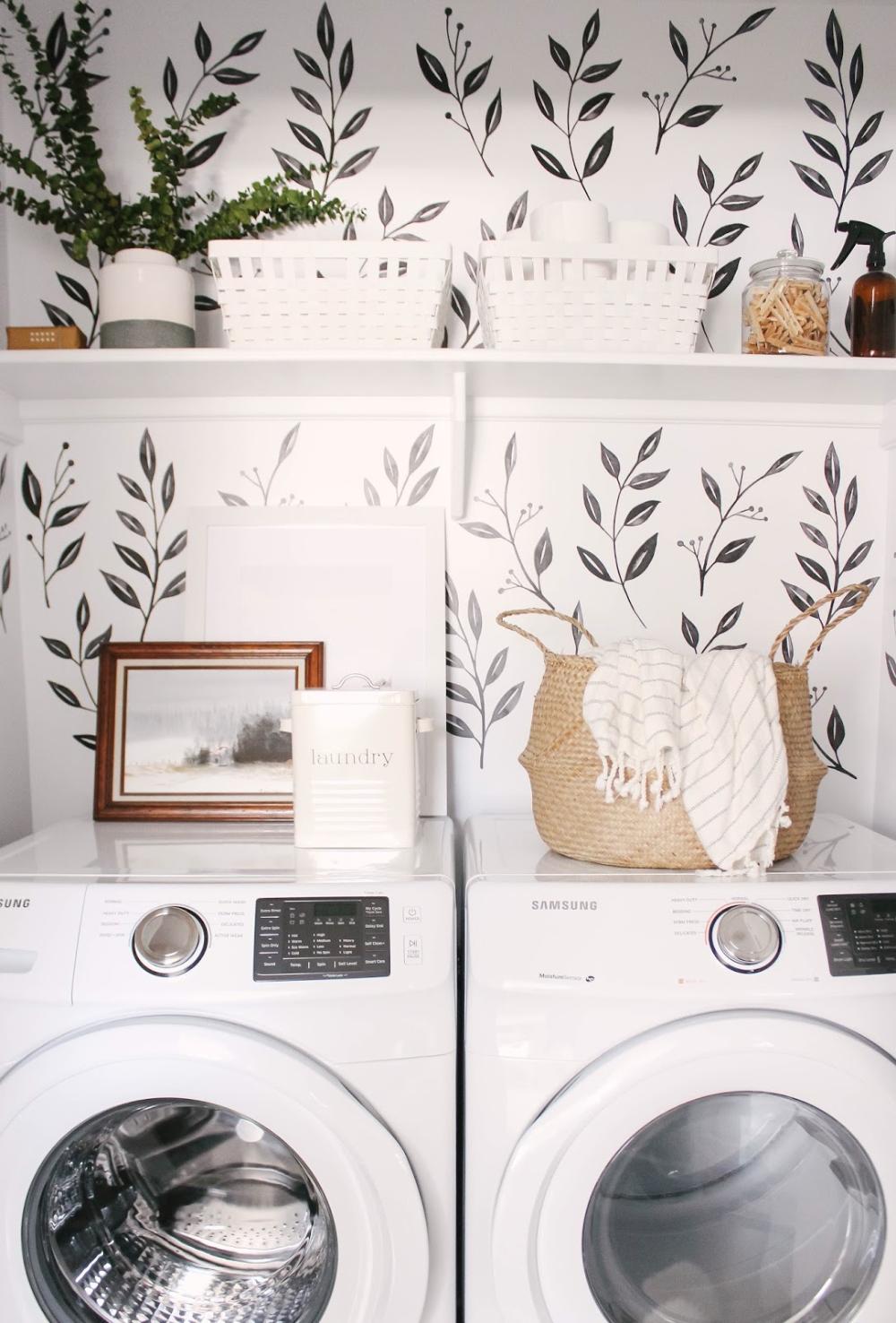 Laundry Closet Reveal Decoration Interieur Design Et Architecture