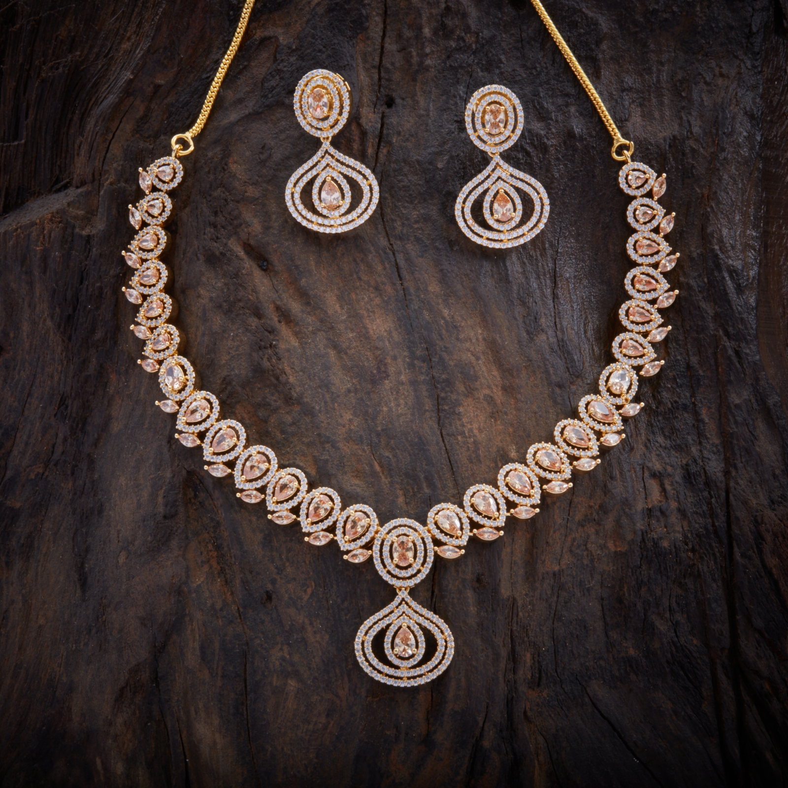 Pin by saranya karthi on gold jewelry pinterest fashion