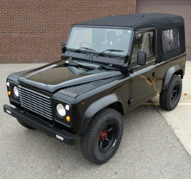 Land Rover Defender 90 Tdi Soft Top Not Bad Looking For A 30 Year Old Vehicle Land Rover Defender Land Rover Defender 90