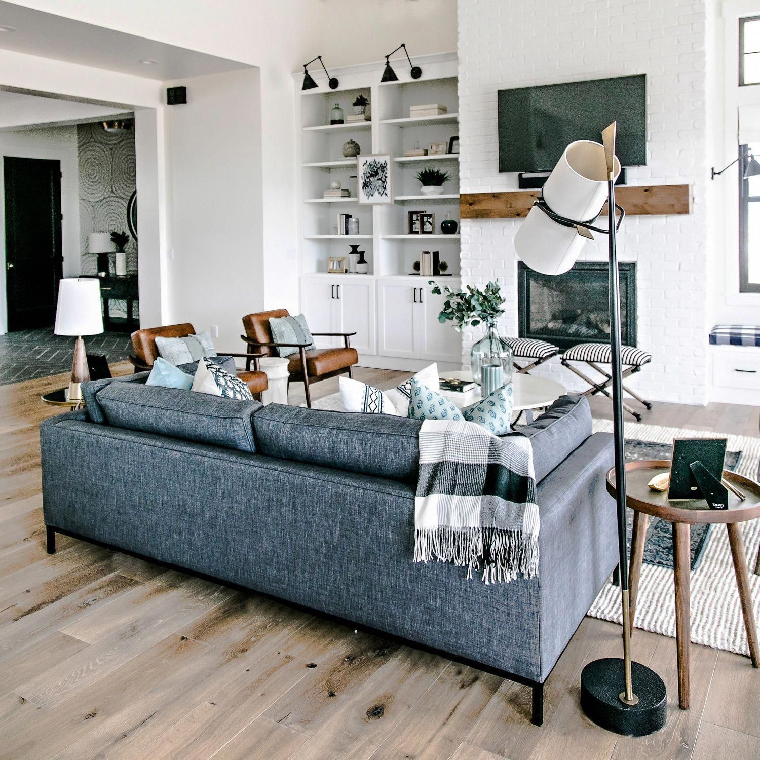 5 Living Rooms That Demonstrate Stylish Modern Design Trends: Mid-Century Leather Show Wood Chair In 2020 (With Images