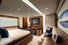 6000 Sport Yacht - Master Stateroom