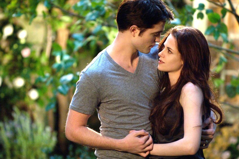 Twilight Im Kino Cinemaxx Special Zum 10 Jubilaum Twilight Kommt Wieder Ins Kino In 2020 Twilight Saga Twilight Breaking Dawn Twilight Saga Series