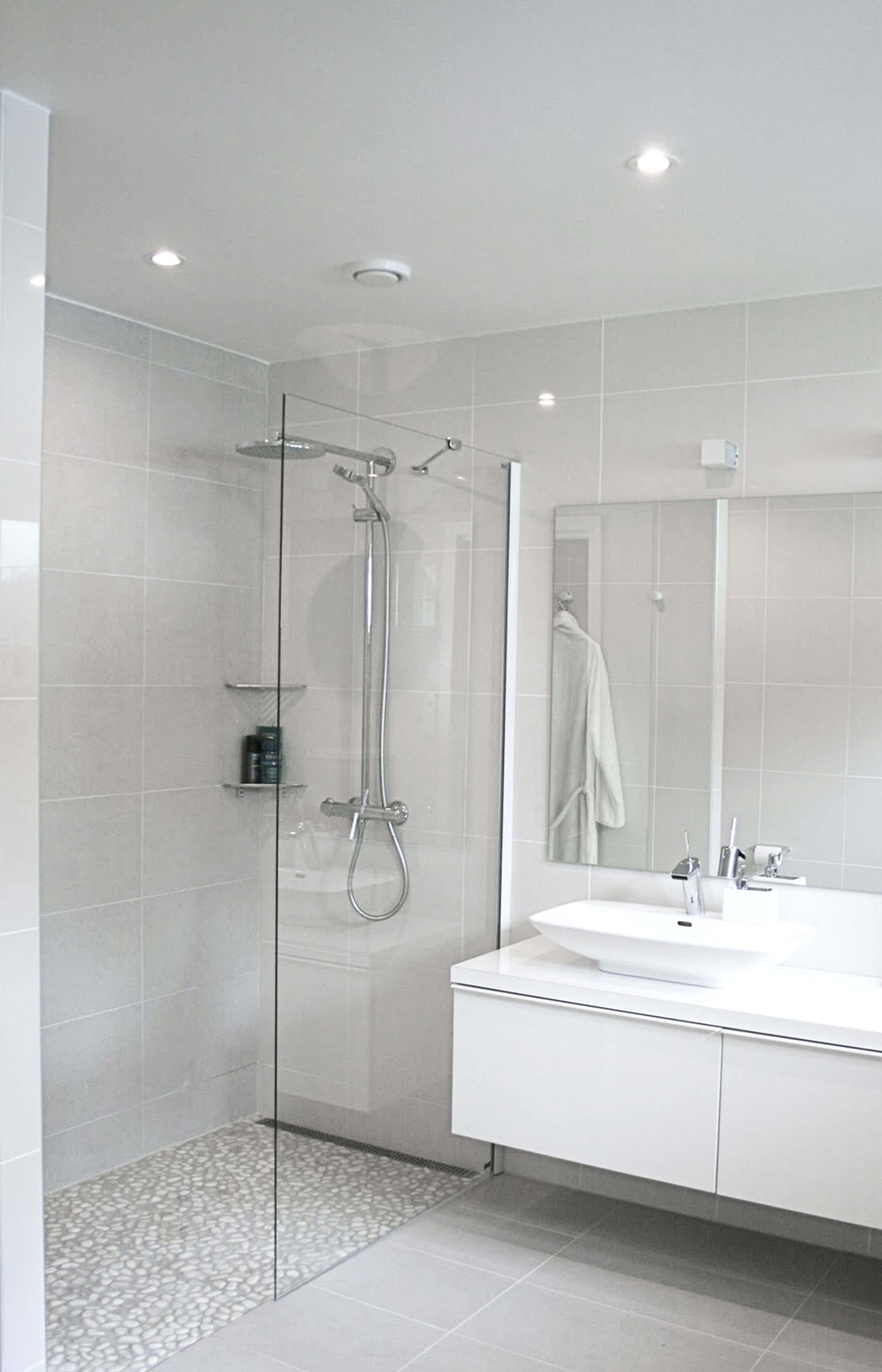 Christine-sveen-bathroom-shower | Badkamer | Pinterest | Minimal ...