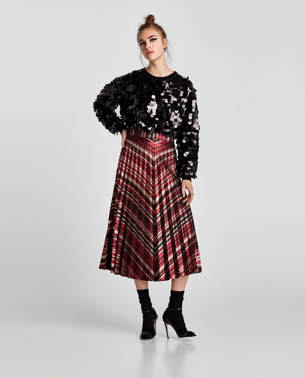 eb7463a50 FALDA PLISADA RAYAS | Lookbooks. | Striped skirt outfit, Fashion, Skirts