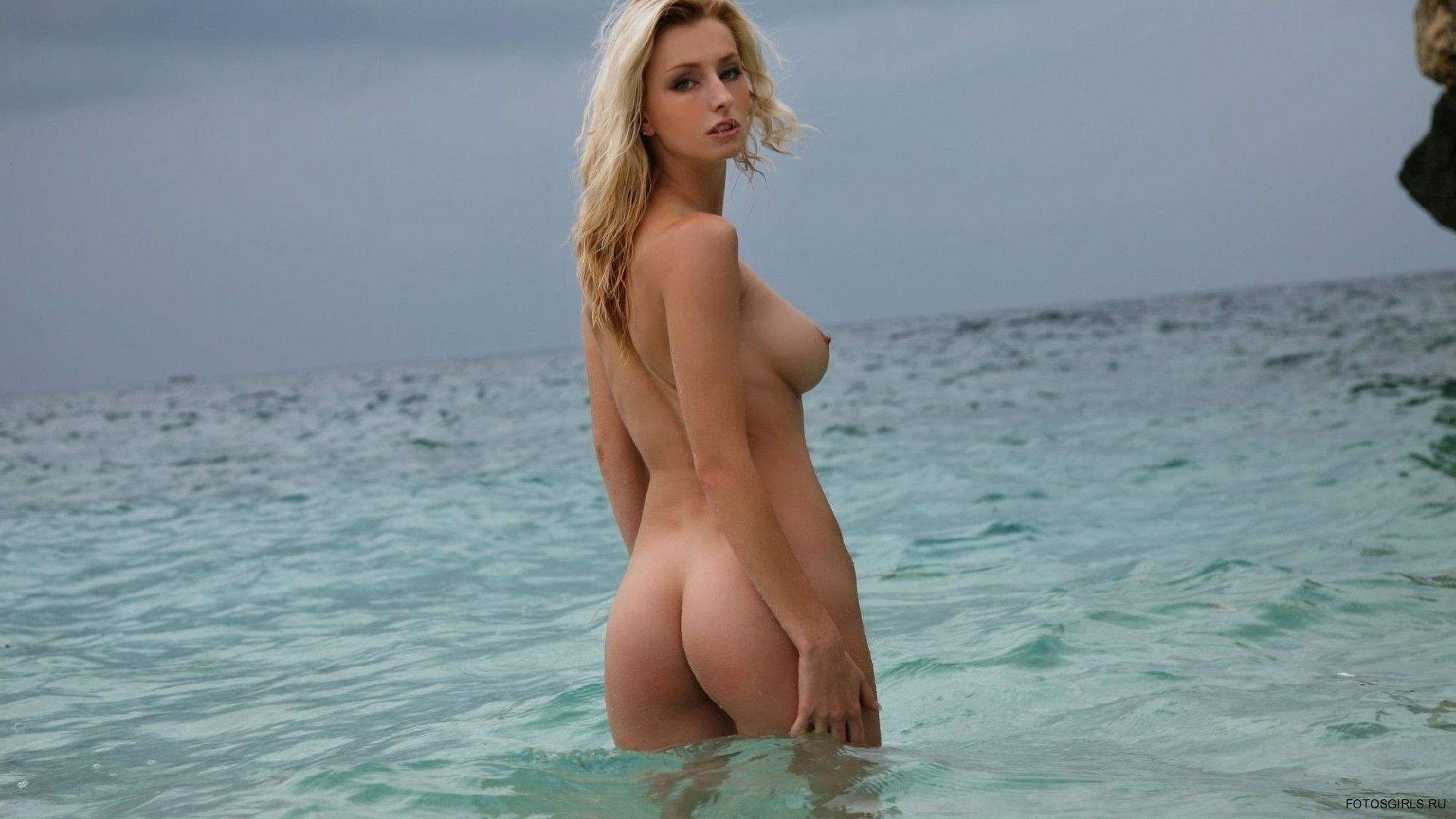 Видео мерлин на море фото девок голых поезде проводницей