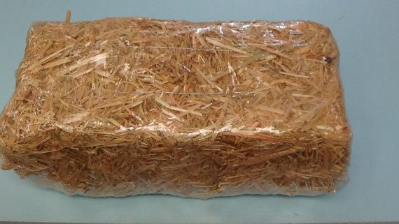 This Is The Soft Comfortable Straw Bedding That We Use In Our Feral Cat Houses Will Do 3 Refills For Any Of