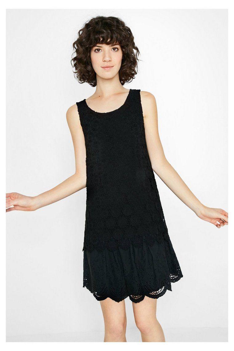 Robe noire courte avec dentelle Barcelona | Dressing gown, Father ...