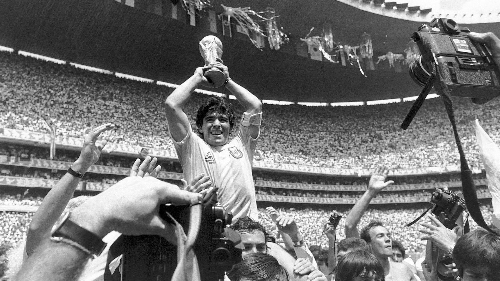 Diego Maradona Wallpapers Hd Best Football Player Photos Legend Diego Maradona World Cup World Cup Winners