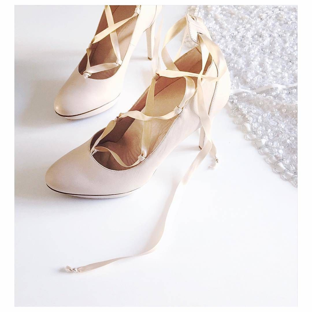 Roccamore Vanessa Comfortable High Heel Made With Cream Calfskin And Silk Lace Leather Lining